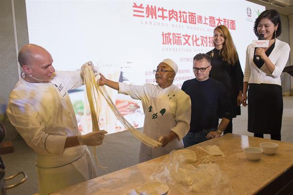 Chef De Cuisine Amedeo Ferri learns to make Lanzho
