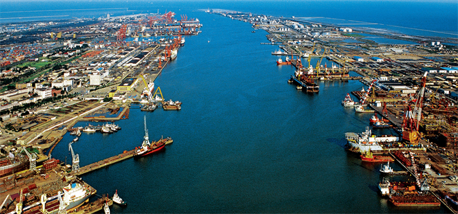 A view of Tianjin's ports.jpg
