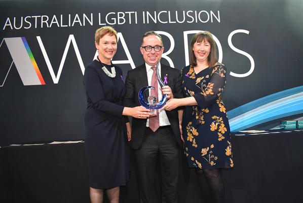 Aus Inclusion Awards 2019_Pride in Diversity Co-Patron Alan Joyce with RMIT 2.jpg
