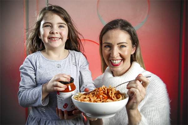 Meaghan and 5 year old daughter Morrissey with Coles Mum's Sause lowres.jpg