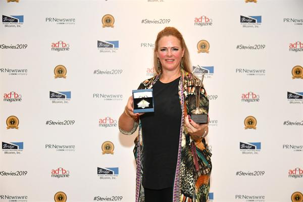 Rhiannon Rees Winning Steve Award Singapore 2019...jpg