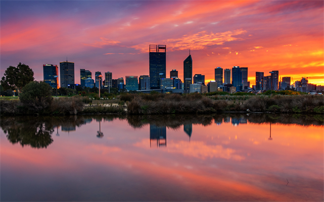 Perth sunrise © Sue Errington-Wood.jpg